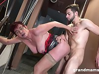 Tall badass GILF getting banged nicely from behind